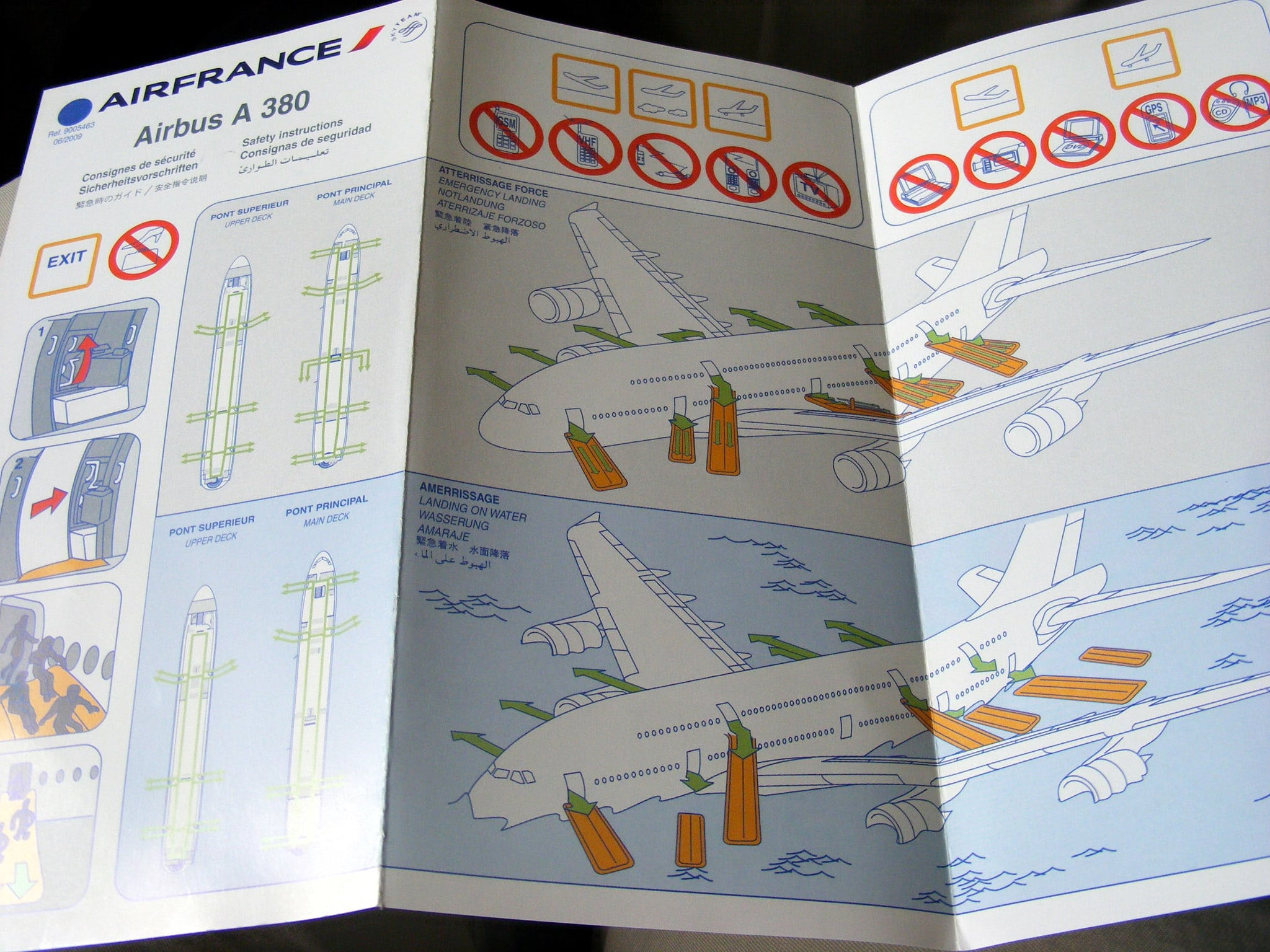 Air France air line safety card